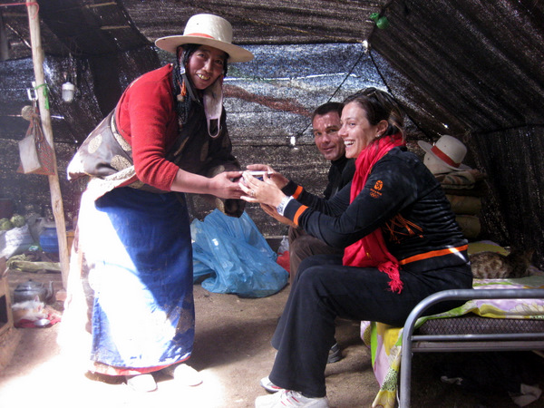 Drinking tea with Tibetan nomads