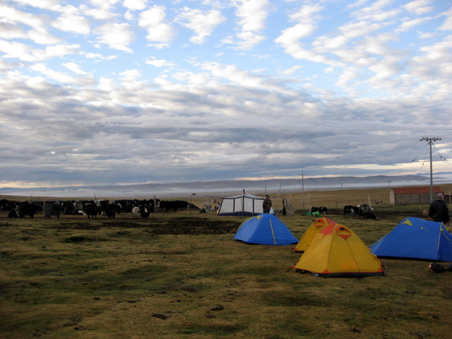 Camping with Tibetan nomads in Tibet